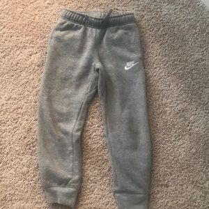 Boys Nike sweatpants size 7